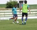 Com problemas, técnico do Goiás pode escalar zagueiro na lateral-direita