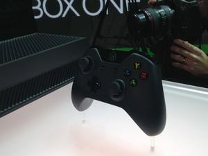 Controle do novo console da Microsoft, o Xbox One, apresentado pela empresa nesta terça-feira (21) (Foto: Bruno Araujo/G1)