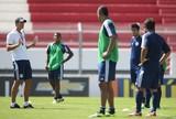 Após folga, RB Brasil volta a campo e mira fechar fase na liderança isolada