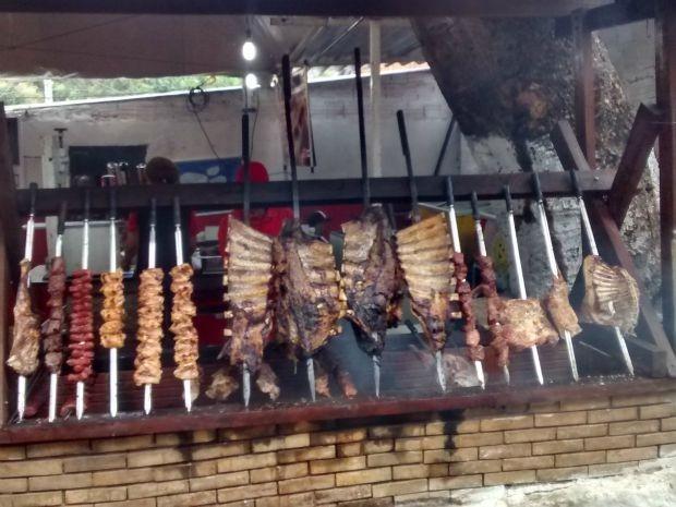 Restaurantes levam variedade gastronômica à Expocrato (Foto: Elias Bruno / G1)