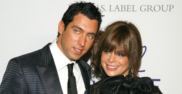 Na década passada, a cantora Paula Abdul, hoje com 52 anos de idade, namorou com o dono de restaurante J. T. Torregiani, uma dúzia de anos mais novo. (Foto: Getty Images)