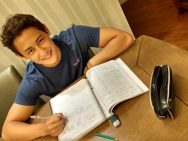 Felipe estudava para o Enem durante a tarde disse que não exigia muito de si (Foto: Daniel Key Miura/ arquivo pessoal)