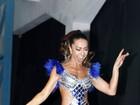 Fantasiada, Sabrina Sato comemora 32 anos na quadra da Vila Isabel