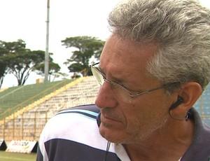 Fernando Polozzi, técnico da Francana (Foto: Márcio Meirelles / EPTV)