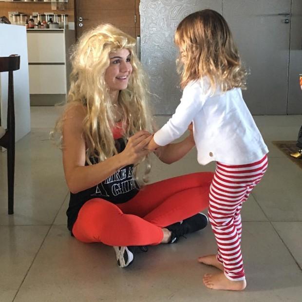 Kyra Gracie e a filha mais velha, Ayra (Foto: Reprodução/Instagram)