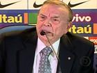 Ricardo Teixeira deixa presidência da CBF e José Maria Marín assume