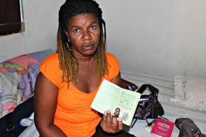 Haitiana desempregada em Manaus (Foto: Adneison Severiano G1/AM)