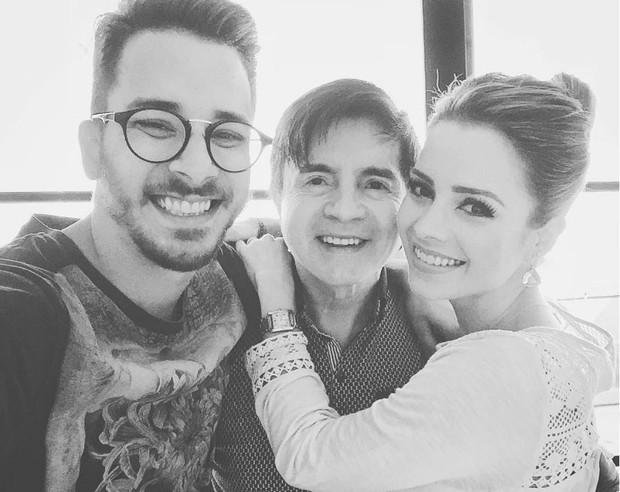 Xororó com os filhos, Junior e Sandy (Foto: Reprodução/Instagram)