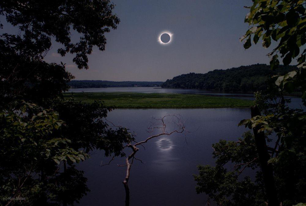 Terra, a 150 milhões de quilômetros do Sol. Um eclipse solar estampa os céus sobre uma lagoa pacata, em meio ao clima ameno e à vida pulsante de nosso belo planeta (Foto: Ron Miller | Divulgação)