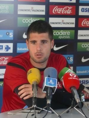Fran Mérida, do Atlético de Madrid, está próximo de fechar com o Atlético-PR (Foto: Divulgação / Site oficial de Hércules de Alicant CF)