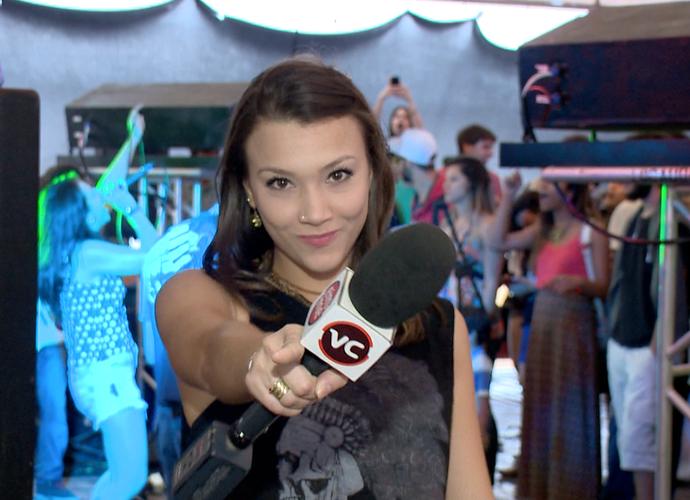 Carolina Ortelan repórter por um dia no quadro VC EMME (Foto: Divulgação/TV Gazeta)