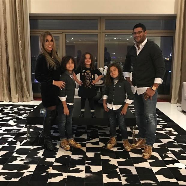 Hulk comemora ano novo chinês com a família (Foto: Instagram / Reprodução)