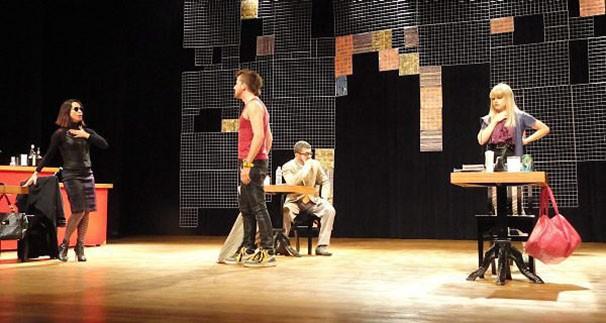 Toni Rodrigues fez a preparação corporal de 'Alguém Acaba de Morrer Lá Fora' (Foto: Divulgação)