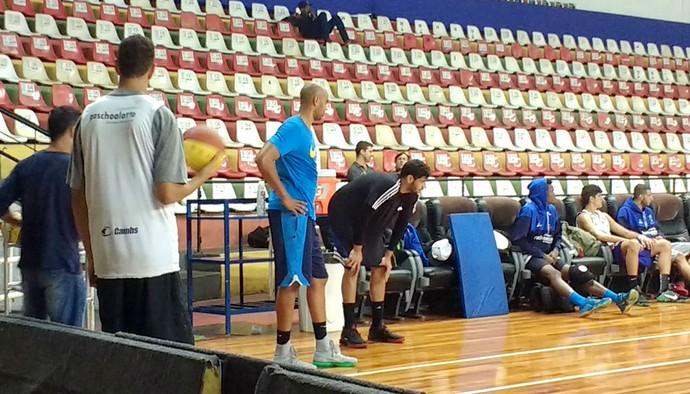 Bauru Basket, treino, Jefferson, Léo Meindl (Foto: Sérgio Pais)