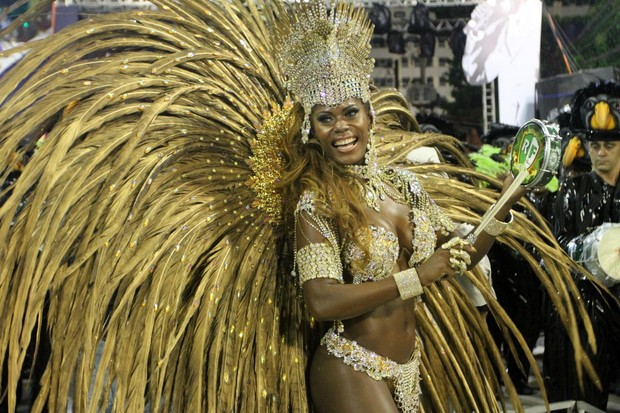 Cristiane Alves - Acadêmicos de Cubango  (Foto: Marcos Ferreira / photo rio news)
