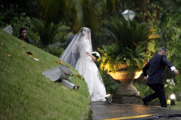 Luiza Tellechea, a noiva (Foto: Marcos Ferreira / Brazil News)