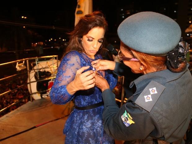 Ivete Sangalo é homenageada pela polícia militar de Sergipe (Foto: Fred Pontes/ Divulgação)