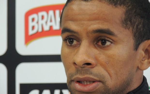 Wellington Saci lateral Figueirense (Foto: Marcelo Silva)