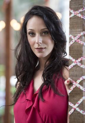Carol Abras como Ximena na novela I Love Paraisópolis (Foto: Globo/Estevam Avellar)