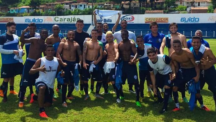 Jogadores do CSA comemoram vitória no rachão (Foto: Divulgação / CSA)
