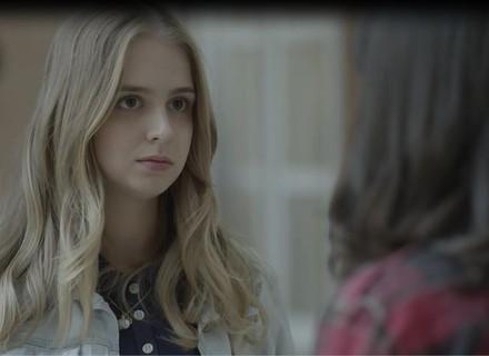 Lica pede desculpas a Clara