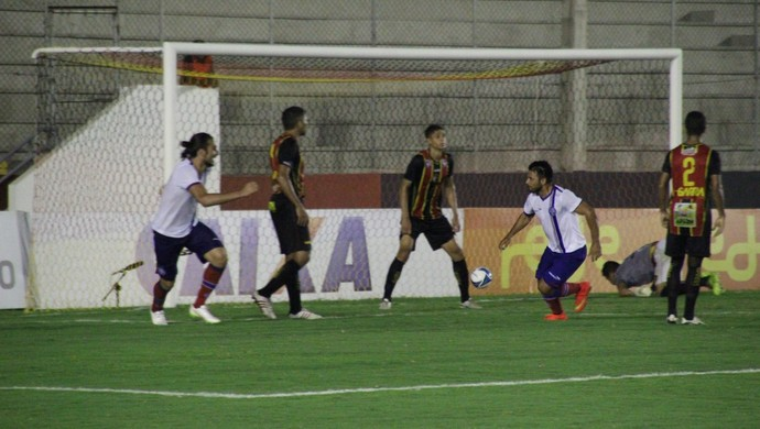 Maxi Biancucchi - Globo FC x Bahia (Foto: Fabiano de Oliveira)