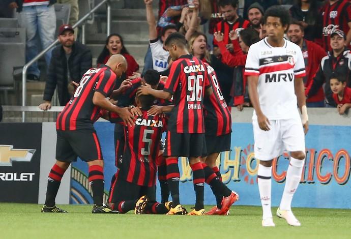 Atlético-PR Santa Cruz (Foto:  GERALDO BUBNIAK / Agência Estado)