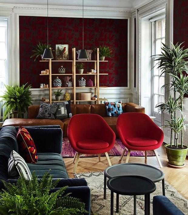 Como usar vermelho na sala de estar (Foto: reprodução)