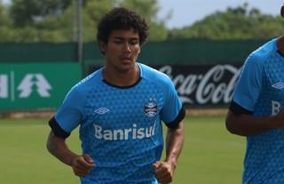 Marcelo Hermes e Breno correm em treino do Grêmio (Foto: Eduardo Deconto/Globoesporte.com)
