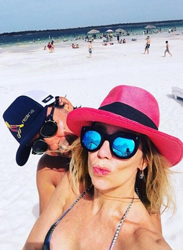 Danielle Winits e André Gonçalves (Foto: Reprodução/Instagram)