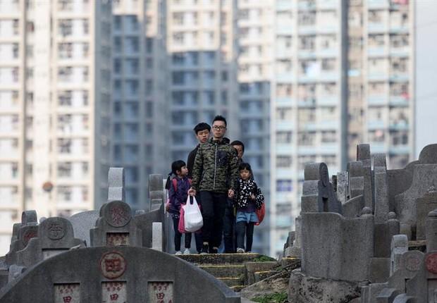 Cemitério Diamong Hill em Hong Kong (Foto: Jerome Favre/EFE)