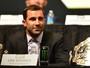 """Rockhold provoca Weidman: """"Acho que ele seria mais fácil que Bisping"""""""