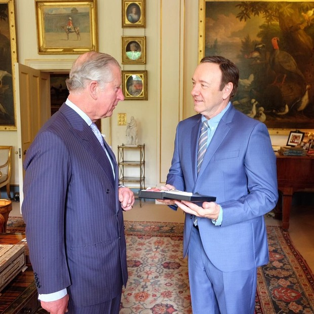 Príncipe Charles e Kevin Spacey (Foto: Instagram / Reprodução)