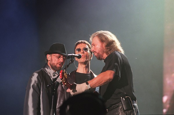 Os músicos do trio Bee Gees (Foto: Getty Images)