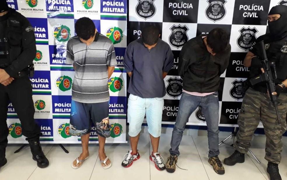 Presos suspeitos de roubar malotes com dinheiro de clientes em lotéricas   vídeo 4e1483f06d