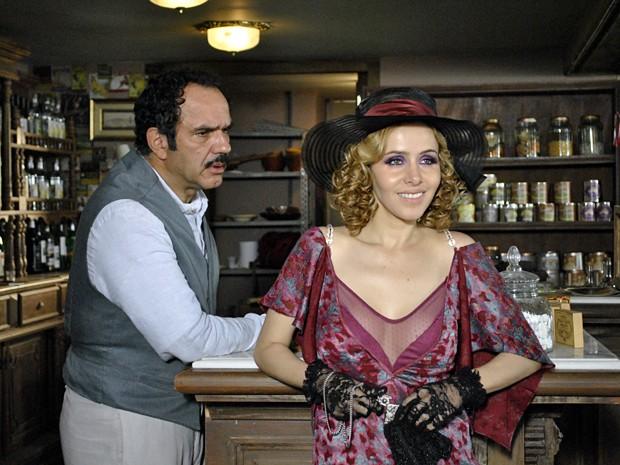 Zarolha diz a Nacib que ele é corno (Foto: Gabriela / TV Globo)
