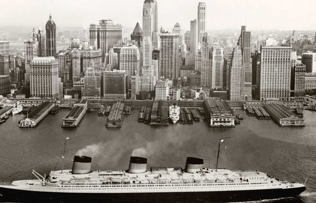 The Normandie in New York, 1935-39 (Foto: FRENCH LINES COLLECTION)