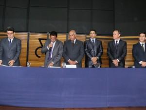 Mesa Diretora Câmara Uberaba (Foto: Sebastião Santos/PMU)