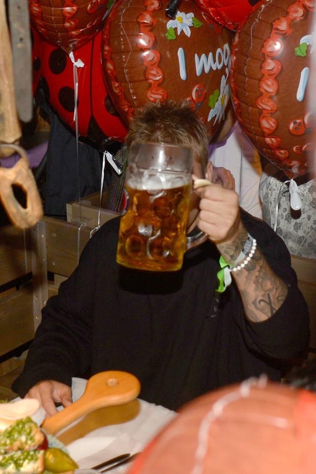 Justin Bieber em festa em Munique, na Alemanha (Foto: AKM-GSI/ Agência)