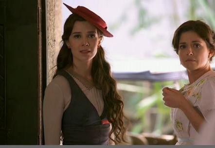 Laura é expulsa na ingreja e não poderá ser madrinha do filho de Sandra (Foto: Divulgação)