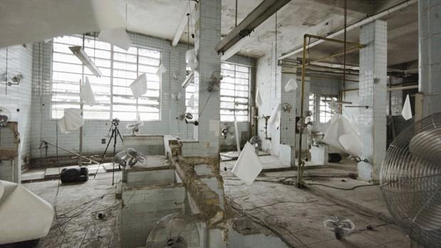 A sala ocupada pela artista plástica Laura Vinci na exposição 'Made by... Feito por Brasileiros', na Cidade Matarazzo (Foto: José Pelegrini) (Foto:  )