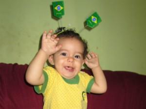 A pequena Maria Fernanda esteve na torcida em sua primeira Copa do Mundo. (Foto: Fernanda Freitas / VC no MG)