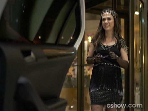 Valdirene não vê a hora de ir para a casa do BBB (Foto: Amor à Vida/TV Globo)