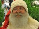 Papai Noel há 30 anos, ex-comerciante se veste de vermelho o ano inteiro