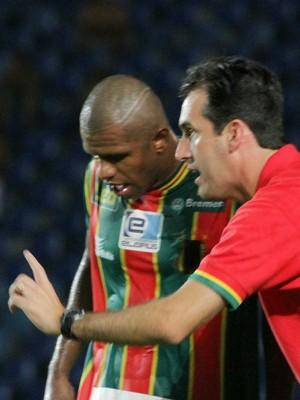 Léo Condé analisa empate sem gols diante do Bahia (Foto: Biaman Prado/O Estado)