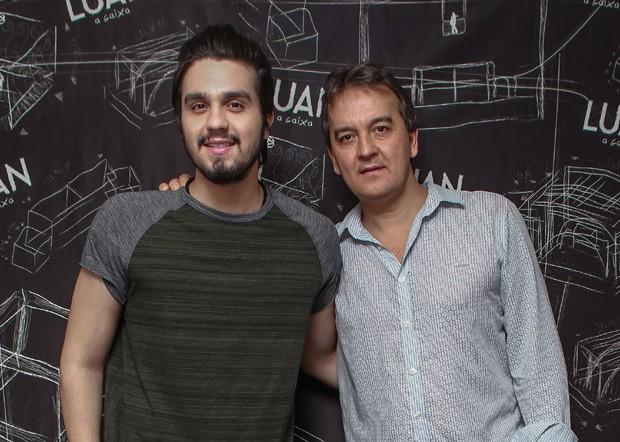 Luan Santana e o pai, Amarildo (Foto: Raphael Castello/AgNews)