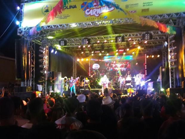 Geraldo Azevedo faz show no carnaval de Petrolina, PE (Foto: Isa Mendes / TV Grande Rio)