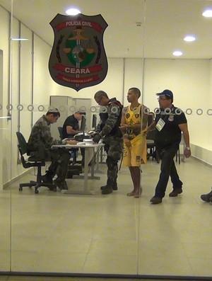 Torcedor Sport preso CAstelão (Foto: Ilo Santiago/Diário do Nordeste Online)
