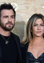 Jennifer Aniston e mais famosos vão a evento de moda na França