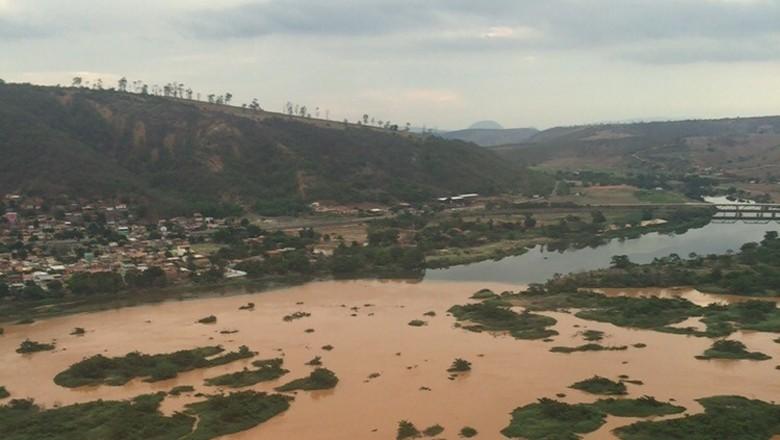 rio-doce-lama-desastre-mariana-samarco-meio-ambiente (Foto: Fred Loureiro/Secom ES)
